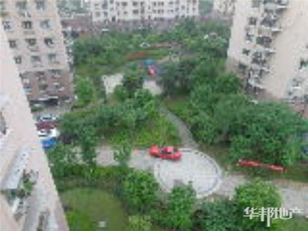 水滟苑小区中心花园