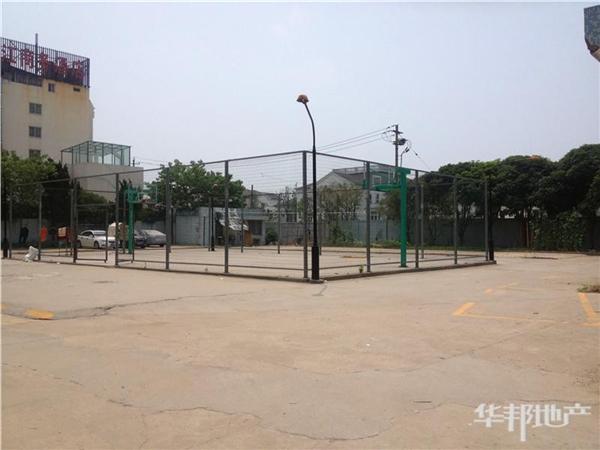 小区运动场